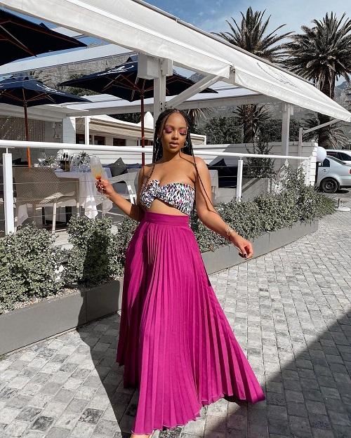 Mihlali Ndamase background