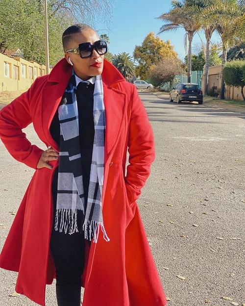 Zandi Nhlapo presenter