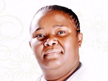 Hlengiwe Mhlaba background
